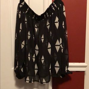 NWT H&M off the shoulder geometric shirt